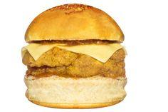 MEDEME! PARMEGIANA: Pão especial, filé mignon empanado recheado com queijo mussarela e bacon (+-200g), molho de tomate especial e mais queijo mozzarella sobre o filé.