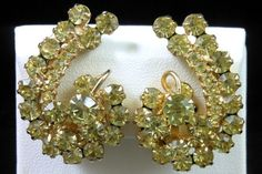 Vintage Jonquil Yellow Rhinestone Gold Tone Clip Earrings Very Sparkly! $36.00 SOLD