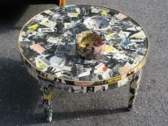 Personalize old furniture with these decoupage ideas fit to transform the decor of a room.