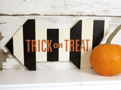 Silhouette America Blog | DIY Trick or Treat Sign (with Tutorial) #Halloween