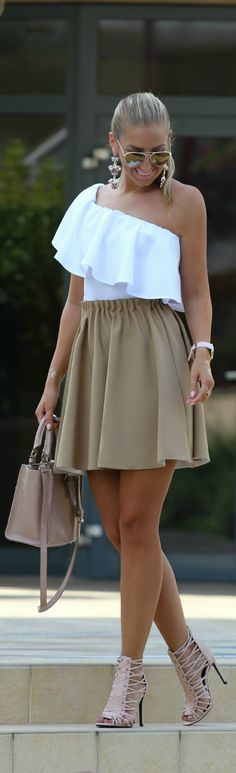 Beige And White / Fashion By Style And Blog
