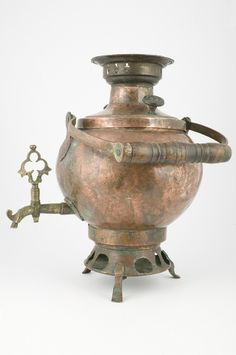 early XIX century tea urn