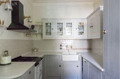 British Standard Kitchen Kitchen Doors, Kitchen Cabinets, British Standard Kitchen, Küchen In U Form, British Standards, Cabinet Colors, Home Renovation, Venice, Kitchen Design