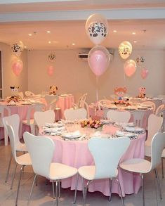 Centros de Mesa para morrer de amores!! . #festafazendinha #festafazendinhademenina #festafazendinharosa Rodeo Birthday Parties, Cowgirl Birthday, Farm Birthday, Birthday Party Themes, Cowboy Party, Farm Party, Flower Farm, Baby Shower, Table Decorations