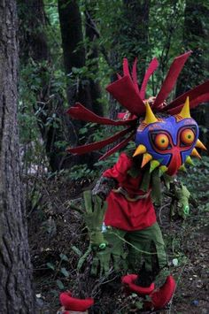 Whoa... I would be terrified to run into this astoundingly life-like Skull Kid in the woods...