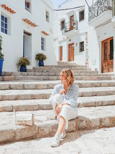 Ibiza Town vibes - old town Ibiza Town, Ibiza Beach, Ibiza Travel, Spain Travel, Travel Design, Travel Style, Ibiza Island, European Summer, European Vacation