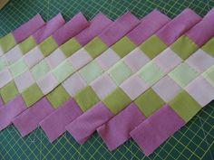 Bayıldım ben bu tekniğe. Uyumlu renkleri bir araya getirince kendi kumaşımı yaratmış gibi hissettim. Seminole nedir derseniz, Günay Florida... Seminole Patchwork, Patchwork Pillow, Patchwork Quilting, Patchwork Bags, Scrappy Quilts, Big Block Quilts, Quilt Blocks, Quilt Patterns Free, Pattern Blocks