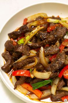 Beef Stir-Fry with Onions & Peppers - Recipes by Nora Chinese Beef Stir Fry, Stir Fry Meat, Chinese Cooking Wine, Chinese Food, Stir Fry Sauce, Venison Stir Fry Recipe, Stir Fry Oyster Sauce, Ground Beef Stir Fry, Easy Beef Stir Fry