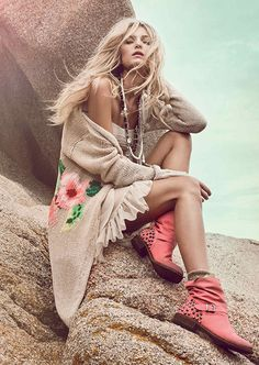 Sexy boho chic, modern hippie fashion, gypsy inspiration. For the BEST Bohemian trends FOLLOW >>> http://www.pinterest.com/happygolicky/the-best-boho-chic-fashion-bohemian-jewelry-gypsy-/
