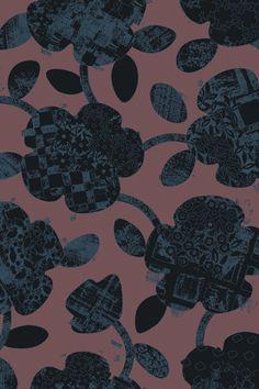 Паттерн «Цветение»— нежный орнамент изпереплетенных цветов, который придает вещам утонченность. Классический характер инебольшой размер узора открывают возможности для его использования вмужской одежде иаксессуарах— нарубашках, платках, подкладочных тканях для пиджаков ипальто. Крупный вариант паттерна подходит для постельного белья иинтерьерного текстиля. Орнамент удачно смотрится наизделиях, скроенных покосой, накоторых узор приобретает диагональное направление.
