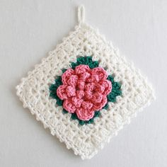 Looks like a vintage crochet pot holder and the patterns is FREE!!!