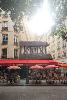 cute parisian cafes