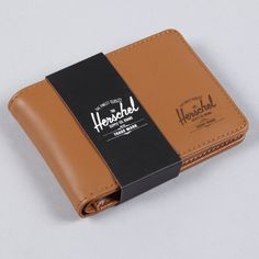 Really want a Herschel wallet. Herschel Supply Co, Leather Art, Leather Design, Indie Clothing Brands, Men's Clothing, Leather Bag Pattern, Handmade Wallets, Canvas Wallet, Handmade Leather Wallet