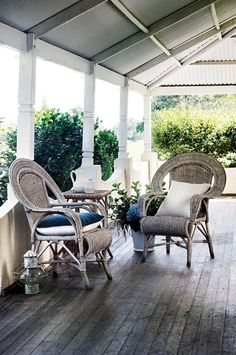Country Style celebrates the diversity of modern Australian living – from the country to the coast. We bring you stories of inspirational people and places from around Australia. Escape the everyday, and celebrate the diversity of modern country living. Modern Country Kitchens, Country Farmhouse, Country Living, Outdoor Rooms, Outdoor Living, Porches, Willows Farm, Homestead House, Australian Homes
