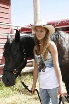 Heartland- Amber Marshall <3 I want her hat SOOO bad