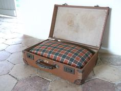 How adorable: Authentic French Suitcase Cat / Dog Bed by cadeauxdecatherine