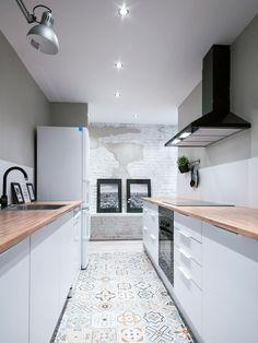 35 elegant white kitchen design ideas for modern home 20 Apartment Kitchen, Kitchen Interior, Kitchen Decor, Design Kitchen, Kitchen Furniture, White Kitchen Cabinets, Cuisines Design, Küchen Design, Design Ideas