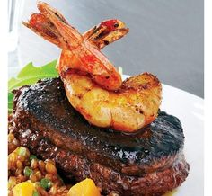 Lean eating Spiced Beef Tenderloin With Shrimp 170 Calories Per Serving Clean Eating Recipes For Dinner, Clean Recipes, Healthy Recipes, Eating Clean, Healthy Foods, Sin Gluten, Shrimp Recipes, Pork Recipes, Spiced Beef