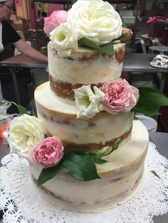 Base coated wedding cake