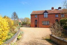 Properties For Sale in Southrepps - Flats & Houses For Sale in Southrepps