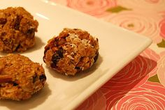 Chock-full of protein, iron, and fiber, these tasty treats are delicious  sources of healthy nutrients, but they're also bursting with flavor. I also love that these no-bake peanut butter and honey balls are made without the help of any processed foods.