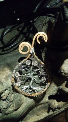 Árvore celta com cristais