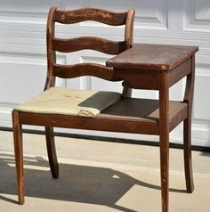 """Yes I have a Gossip Bench and I am getting it fixed and putting it in my living room..to hold my rotary phone...too bad there are no more """"party lines"""""""