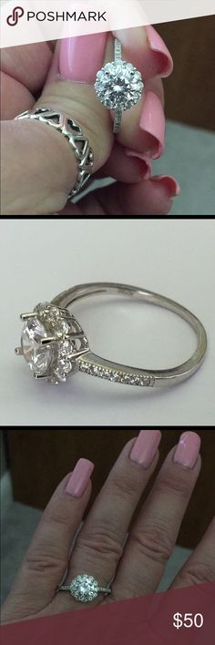 💥Price Firm💥Engagement Ring 💎Round cut halo style💎CZ ring set in Sterling silver💎Hallmarked 925 CN💎size 8💎good preowned condition💎 Jewelry Rings