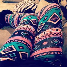 Aztec leggings with a long shirt❤ Tribal Leggings, Tight Leggings, Printed Leggings, Aztec Pants, Crazy Leggings, Awesome Leggings, Aztec Sweater, Black Leggings, Colorful Leggings