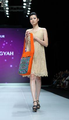 IFW 2013 # 223 Suheni Estuningyah – Classic Romantic Indonesia Fashion Week, Sequin Skirt, Sequins, Sari, Romantic, Classic, Skirts, Saree, Derby
