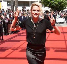 Cannes: Após vaias da crítica, filme de Kristen Stewart é aplaudíssimo pelo público