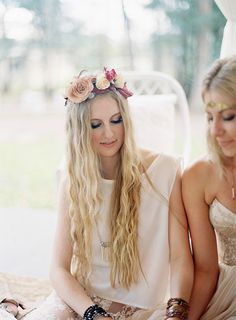 Fall bohemian wedding ideas   Photo by Byron Loves Fawn   Read more - http://www.100layercake.com/blog/?p=83203