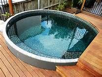 If you like swimming pools, surely you will be interested in these pool designs. There is a swimming pool that is modern but simple. And there is also a luxurious and beautiful swimming pool. Small Swimming Pools, Small Backyard Pools, Diy Pool, Small Pools, Swimming Pool Designs, Small Backyards, Round Pool, Rectangular Pool, Pool Shapes