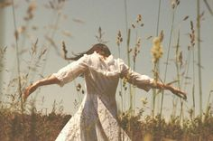 Picnic At Hanging Rock - Style Inspiration - All Photos Aesthetic Photo, Aesthetic Pictures, Aesthetic Girl, Aesthetic Fashion, Neon Aesthetic, Picnic At Hanging Rock, Foto Portrait, Spring Awakening, Anne Of Green Gables