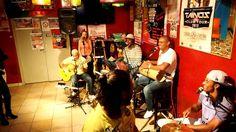 pagode 5 by PAGODE DO JAMBO en CASA LATINA BRAZIL TIME bordeaux 13 09 2013) BRAZIL TIME à la CASA LATINA ( bordeaux)  21H00 BAL BRESILIEN !!!!!! minuit TAÏNOS TIME !!!!!!  CASA LATINA devient pour la soirée CASA DO BRAZIL ! avec les musiciens du groupe PAGODE DO JAMBO ! La voix et la danse sont à l'honneur comme dans la plupart des musiques brésiliennes. !  PAGODE DO JAMBO, c'est 5,6 musiciens passionnés par leur pays et leurs traditions !!
