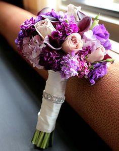 bouquet Purple Wedding Bouquets, Bride Bouquets, Floral Wedding, Wedding Details, Perfect Wedding, Wedding Themes, Wedding Photos, Wedding Bells, Purple Flowers