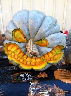 Halloween Frames, Halloween Home Decor, Diy Halloween Decorations, Halloween House, Holidays Halloween, Halloween Pumpkins, Halloween Diy, Pumpking Carving, Amazing Pumpkin Carving