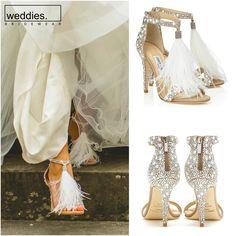 Tüm ışıltısıyla ve nadide tasarımıyla son zamanlarda gelinler arasında hayli popüler olan Jimmy Choo'nun Viola modeli göz kamaştırıyor 💎  The one and only gorgerous Jimmy Choo-Viola for the glamorous bride to be's 💎 Lace Wedding, Wedding Dresses, The Dress, The One, Jimmy Choo, Fashion, Bride Dresses, Moda, Bridal Gowns