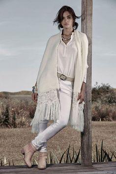Moda otoño invierno 2015 Cardón. Abrigos, indumentaria y accesorios otoño invierno 2015. Couture Fashion, Boho Fashion, Fashion Outfits, Womens Fashion, Modele Hijab, Hippie Crochet, Moda Boho, Altered Couture, Urban Chic