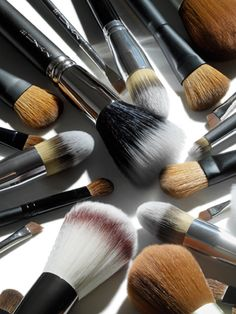 Makeup-Brush Breakdown: The 5 Face Brushes You Need: Daily Beauty Reporter :  The latest makeup colors and textures get all the love—but it takes the right tools to make them look as amazing on your face as they do in a magazine. Having consulted some of the foremost pros for the...makeup tool special
