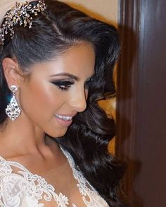 Gorgeous bride pranvera's second look of the night! Fabulous waves accented with a beautiful and dramatic by… Bridal Hair And Makeup, Bridal Beauty, Wedding Beauty, Hair Makeup, Dramatic Bridal Makeup, Black Wedding Hairstyles, Elegant Hairstyles, Bride Hairstyles, Hairstyle Ideas