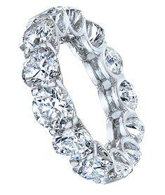 Round Brilliant-Cut Diamond Band In Platinum
