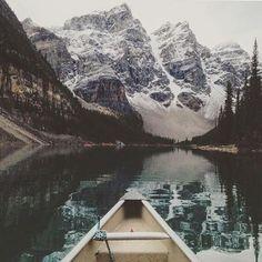Moraine Lake never gets old. #livebeyondthebend  - Lac Moraine, un classique !  @livenorthco