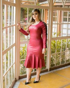 Image may contain: 1 person, standing Lady Like, Leder Outfits, Latex Dress, Beautiful Girl Indian, Leather Dresses, Curvy Women Fashion, Stylish Dresses, Dress Skirt, Ideias Fashion