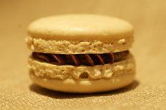 - Espresso Makroner - espresso macaron - italian methode Small Cake, Macarons, Tiramisu, Espresso, Cupcake, Shapes, Candy, Cookies, Ethnic Recipes