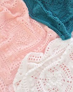 Crochet vintage lace baby blankets made by Little Cosy Things @littlecosythings #littlecosythings #LCTblankets #crochet