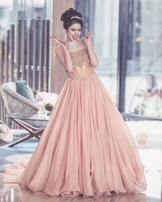 Engagement is sure a big day. Here are some engagement dresses for Indian bride inspired from bigger ideas. Indian Wedding Gowns, Indian Gowns Dresses, Indian Bridal, Indian Weddings, Real Weddings, Wedding Lehnga, Engagement Dress For Bride, Engagement Gowns, Indian Engagement
