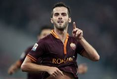 Barcelona ready to pay Miralem Pjanićs 38m buyout clause at Roma [Gazzetta]