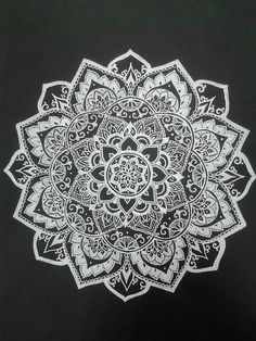 Mandala, art, and flowers image Mandala Drawing, Drawing Flowers, Mandala Doodle, Mandala Artwork, Flower Drawings, Doodle Art, Mandala Design, Mandala Pattern, Milky Way