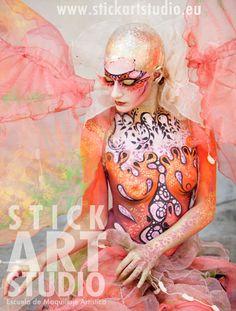 Escuela de maquillaje artístico Stick Art Studio.  Maquillaje realizado por Corinne Perez, directora de Stick Art Studio.  Barcelona, España